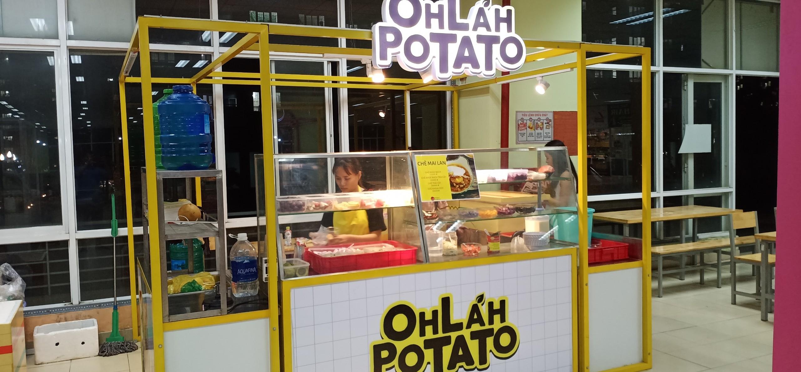 Kiot chè Mai Lan tại phố ẩm thực làng