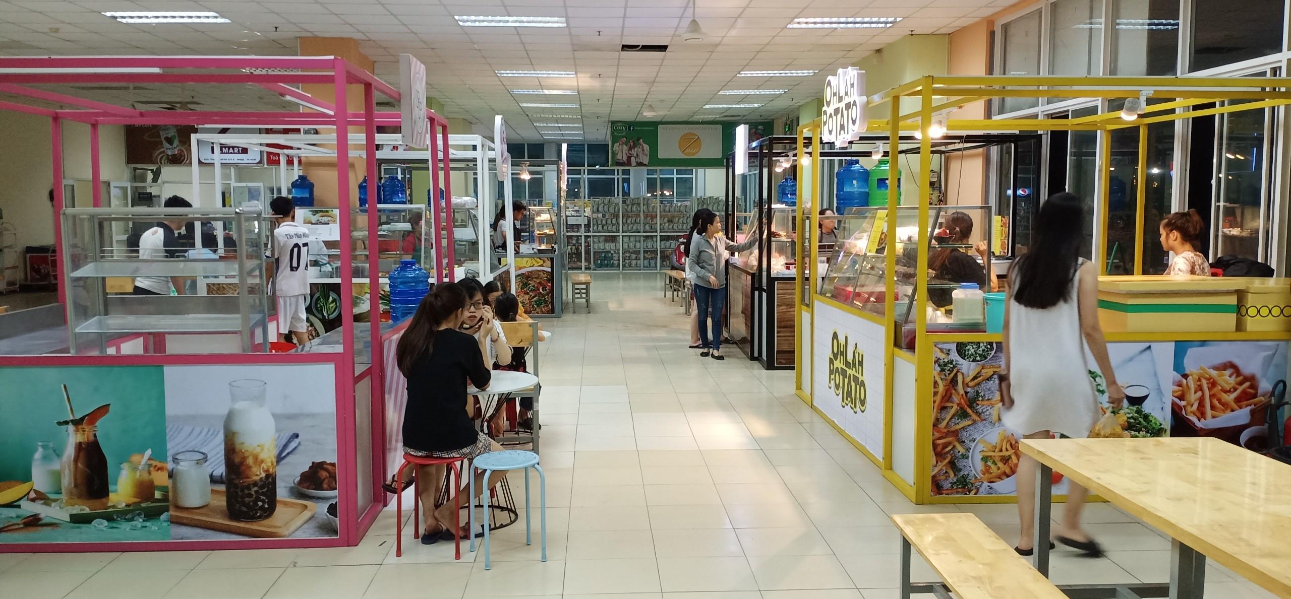 Kiot mở cửa tại phố ẩm thực làng