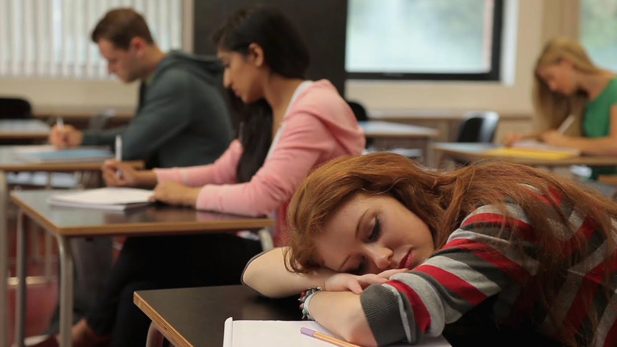sai lầm sinh viên năm nhất dễ dãi với bản thân