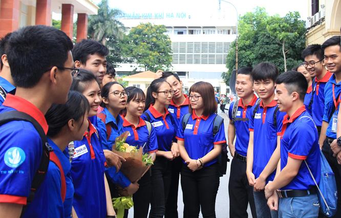 sinh viên làm thêm hay hoạt động ngoại khóa