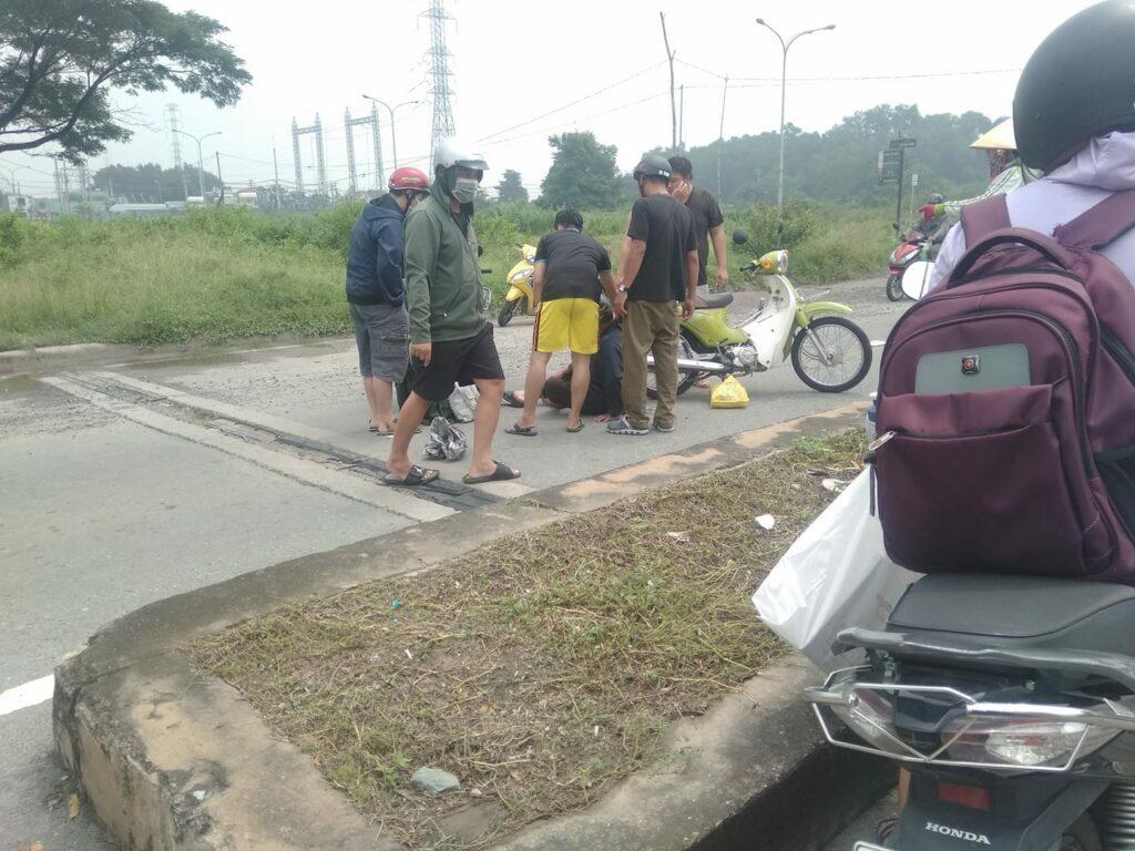 Tai nạn làng đại học trước cổng khu B