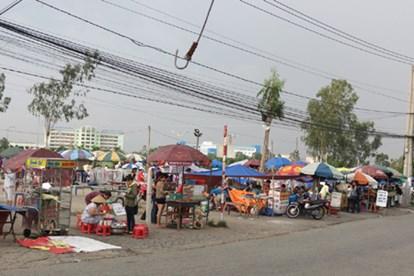 chợ đêm làng đại học chuẩn bị từ rất sớm